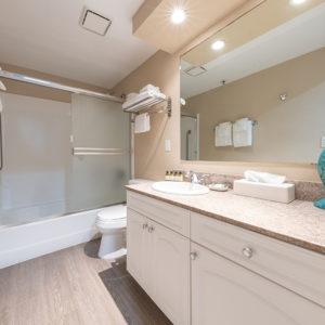 2 bedroom upstairs bath